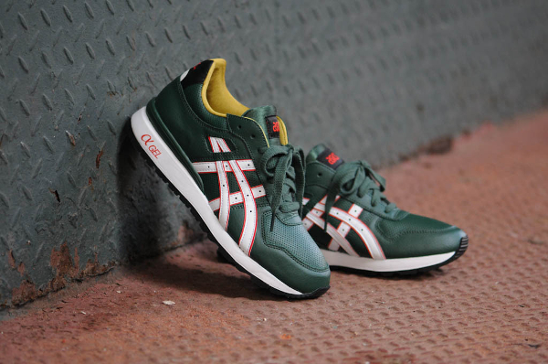 "Asics GT 2 ""Christmas"" Elf"