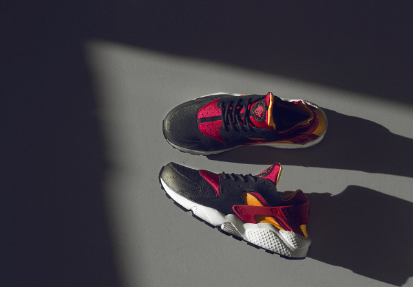 Nike Air Huarache Le Black/Laser Orange/Fuchsia