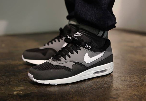 Nike Air Max 1 Essential Black/Geyser Grey