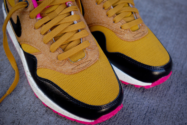 nike air max 1 gold suede