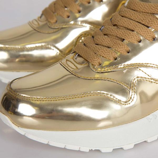 nike-air-max-1-metallic-gold-1