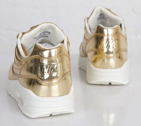 nike-air-max-1-metallic-gold-4
