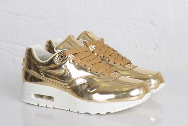 nike-air-max-1-metallic-gold-5