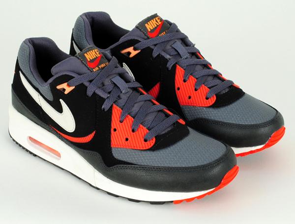 b58813651a Où acheter la Nike Air Max Light Essential Black/Pine ?