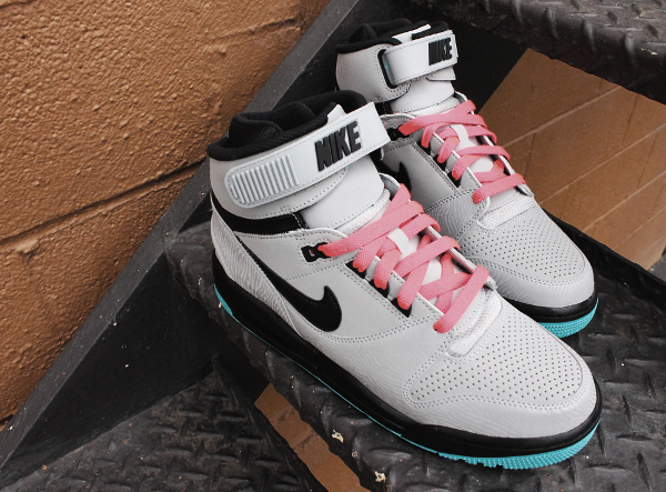 nike-air-revolution-silver-gamma-blue-atomic-red-3