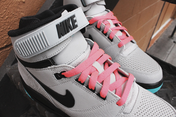 nike-air-revolution-silver-gamma-blue-atomic-red-4