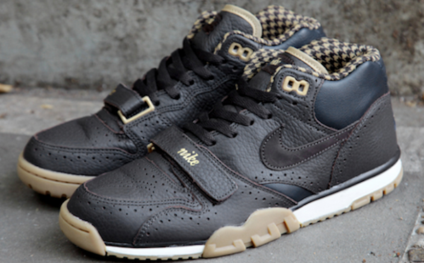 Nike Air Trainer 1 Mid QS Brogue