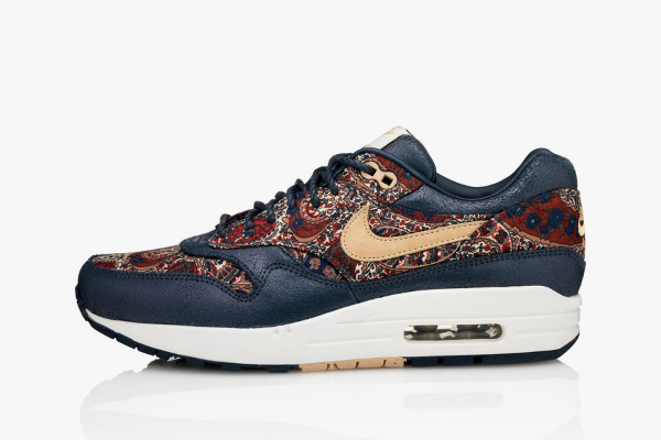 nike-liberty-bourton-print-air-max-1-1-960x640