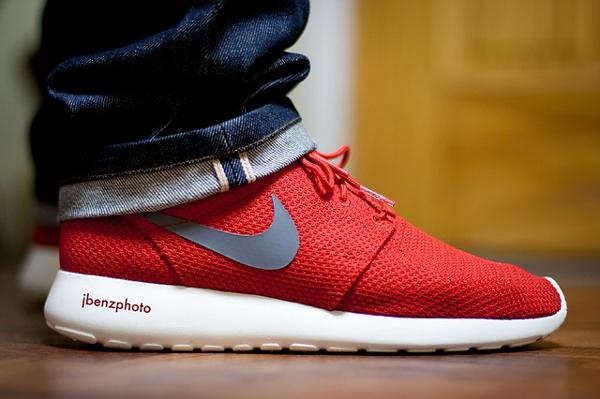 nike-roshe-run-white-red-JBenzPhoto