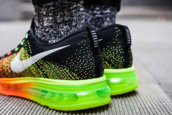 Nike-Flyknit-Air-Max-Atomic-Orange-Electric-Green-Volt-Black-05