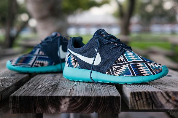 hot sales f80ea 6cad5 Nike-Roshe-Run-Tribal-Blue-4