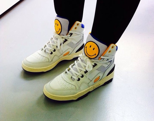 Pony M100 x Smiley - Sneakerzimmer