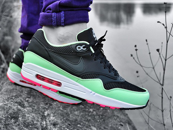 nike air max 70 sneakers qui ont marqu l 39 ann e 2013. Black Bedroom Furniture Sets. Home Design Ideas