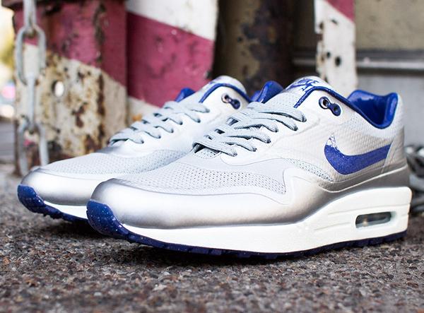 Où acheter les Nike Air Max 1 Hyperfuse Night Track QS ?