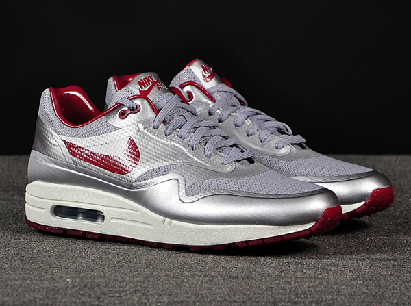 nike air max 1 hyperfuse night track