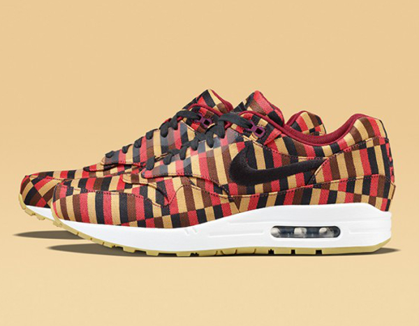 Nike Air Max 1 & 90 x Roundel by London Underground