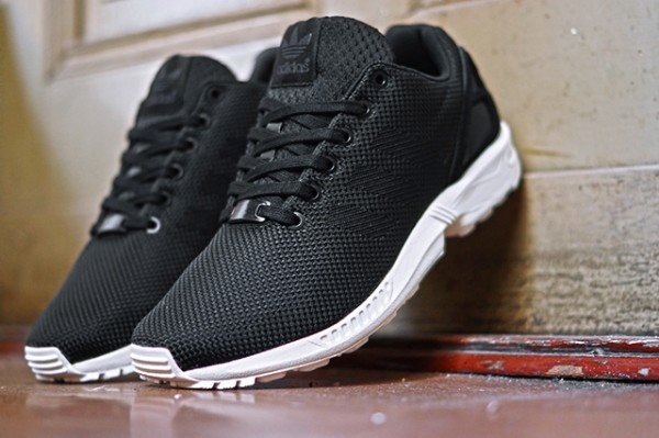 ADIDAS-ORIGINALS-ZX-FLUX-BLACK-ELEMENTS (3)