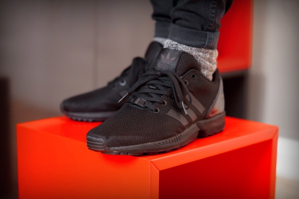 ADIDAS-ORIGINALS-ZX-FLUX-BLACK-ELEMENTS (4)