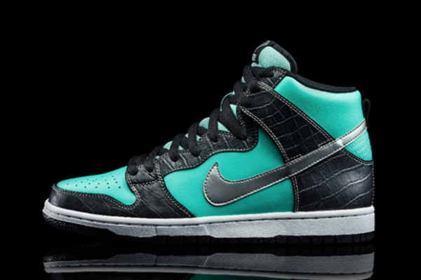 Diamond Supply Co. x Nike SB Dunk High Tiffany