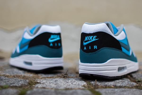 Nike Air Max 1 Essential White Blue-3