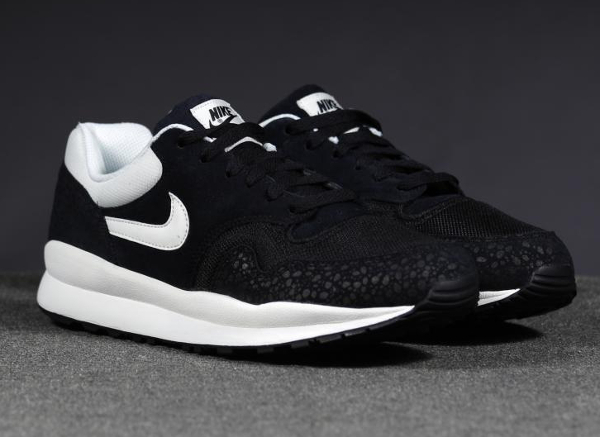 Nike Air Safari Leather Black-1
