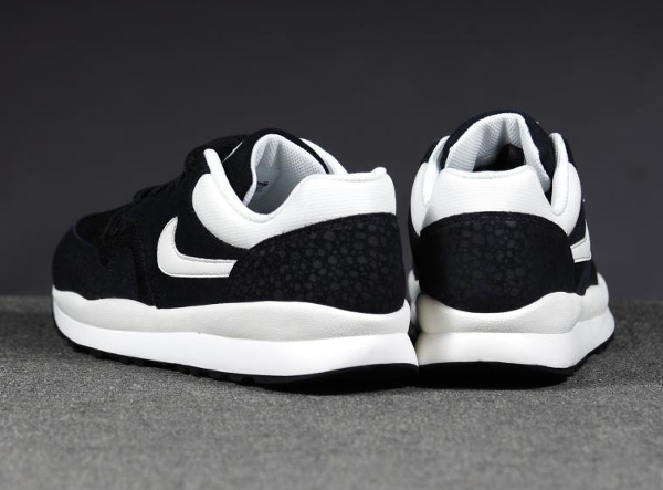 Nike Air Safari Leather Black-2