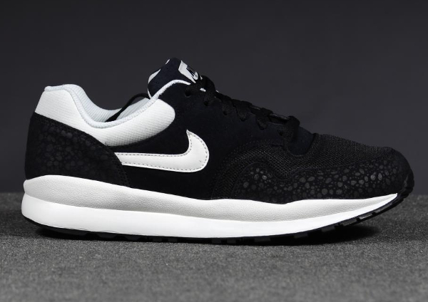 Nike Air Safari Leather Black