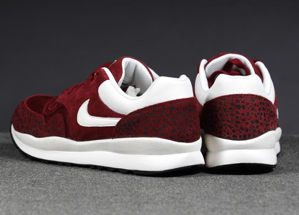 Nike Air safari Leather Team Red-1