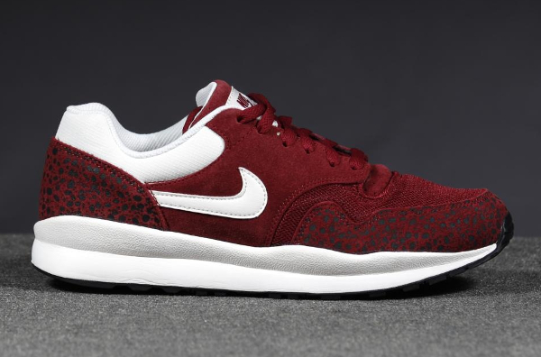 Nike Air safari Leather Team Red