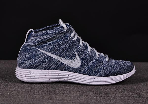 Nike Lunar Flyknit Chukka Squadron Blue (2)