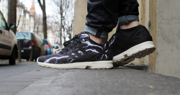 adidas-zx-flux-lightning-black-elements (1)