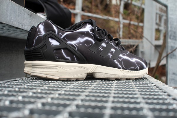 adidas-zx-flux-lightning-black-elements (17)