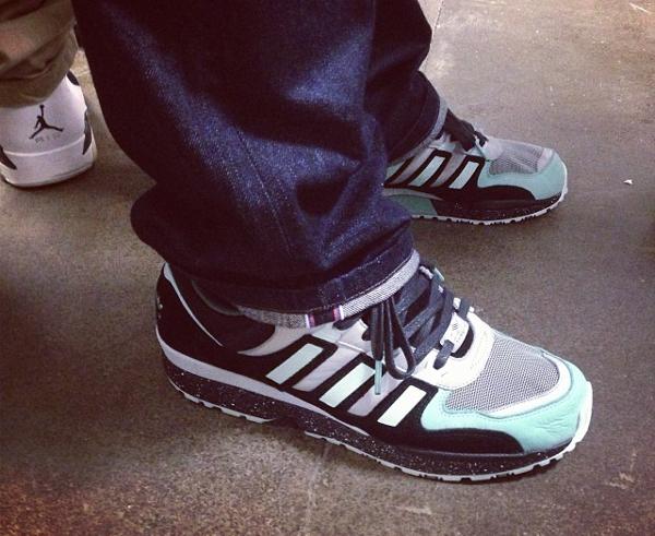 jeans-trop-large-sneakers-mal-portees (11)