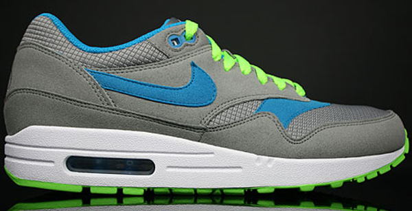 Nike Air Max 1 Omega Neon