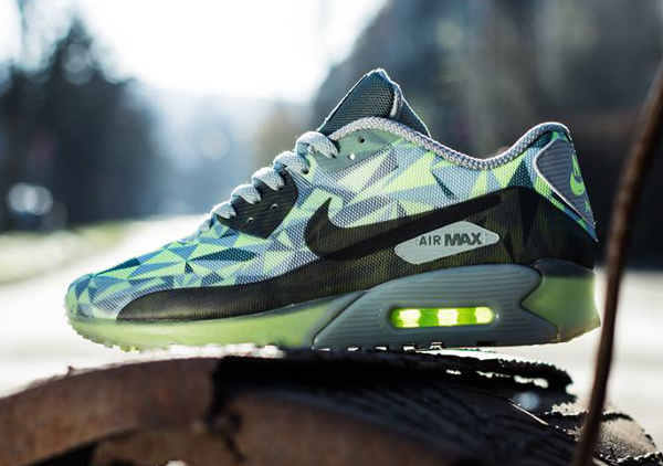 Nike Air Max 90 Volt Mica Green-Dark Green-Black (1)