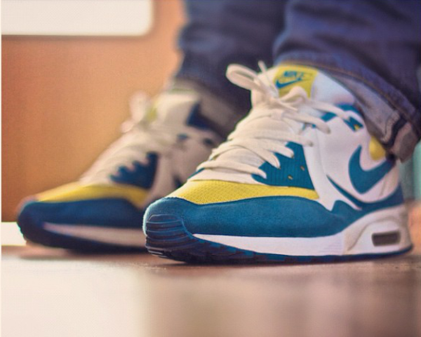 Nike Air Max Light Blue yellow - Heartxandxsole (1)