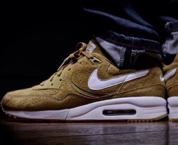 Nike Air Max Light x Size Perf - Snkrst