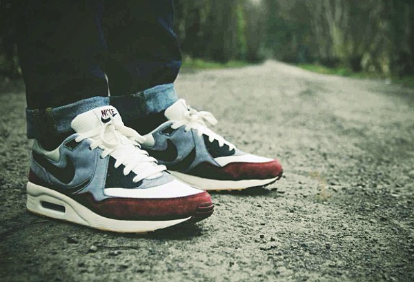 Nike Air Max Light x Size Sail Dark Team Red - Rollwithgods