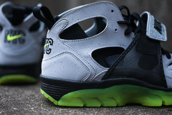 Nike Air Trainer Huarache Premium NYC Cement City Quickstrike (3)