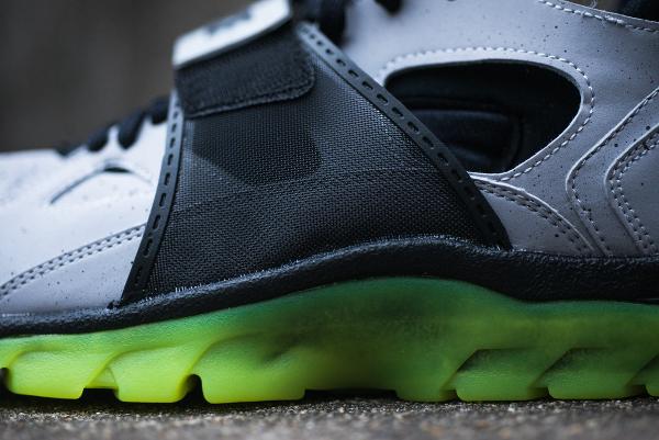 Nike Air Trainer Huarache Premium NYC Cement City Quickstrike (5)