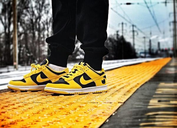 Nike Dunk Low Goldenrod - Wu Tang