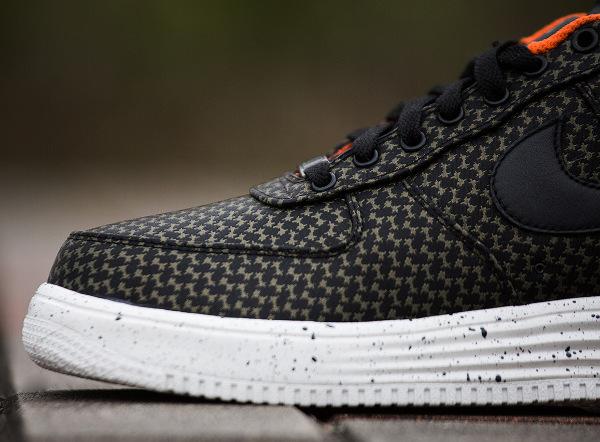 Nike Lunar Force 1 x Undefated (9)