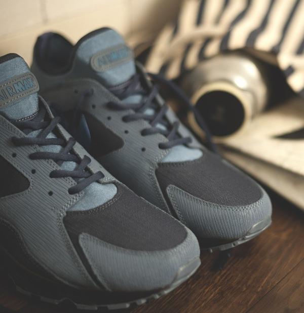 Nike x size Army (1)