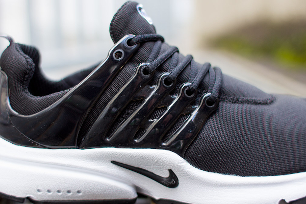 nike-air-presto-black-white-2