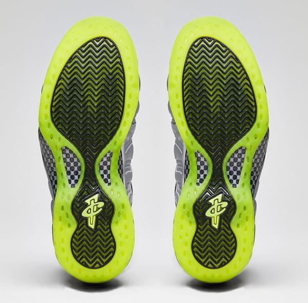 Nike Air Foamposite Metallic Silver Volt (1)