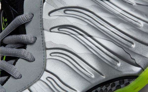 Nike Air Foamposite Metallic Silver Volt (3)