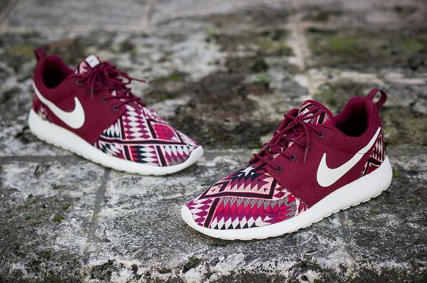 Natif Rouge Nike Roshe Courir Sur Mesure Par Niwreig Vente Svq7pj