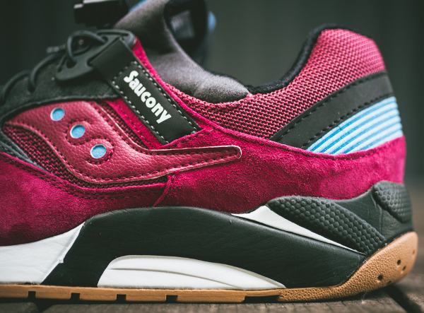 Saucony Grid 9000 Red Charcoal (1)