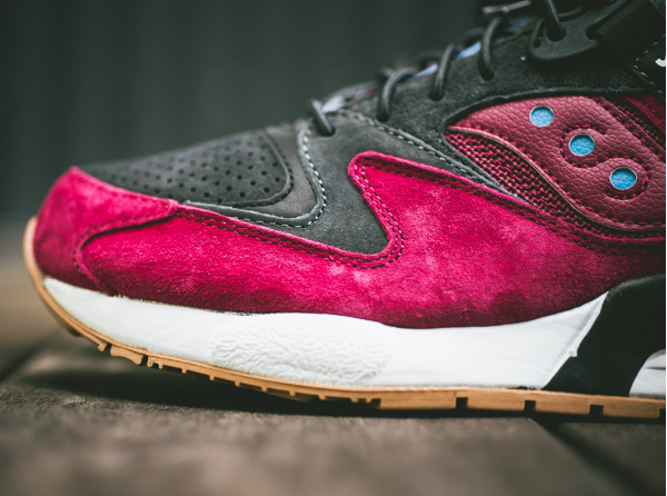 Saucony Grid 9000 Red Charcoal (4)