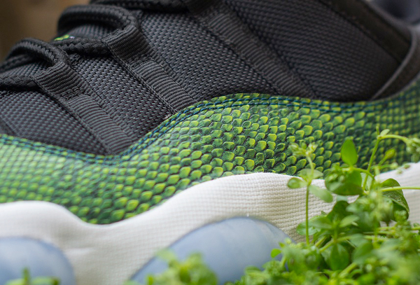 Air Jordan 11 Low Nightshade